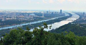 Vienna bicycle tour: Vienna Danube