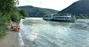 Boat on the Danube in Wachau