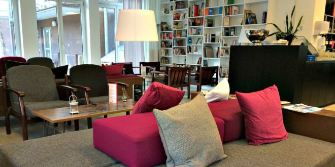 Cheap hotels in Vienna: lobby of Magdas Hotel