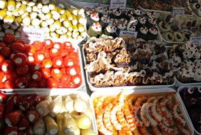 Naschmarkt in Vienna – What To Buy And Where To Eat