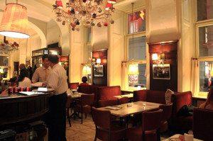 Vienna Coffee Houses: Cafe Diglas
