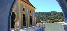 Wachau Valley Tour: Duernstein