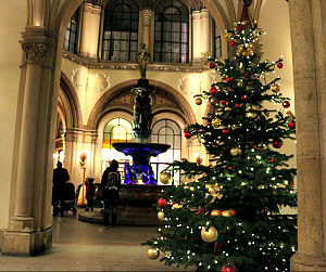 Christmas Dinner and Christmas Day in Vienna: Freyung passageway