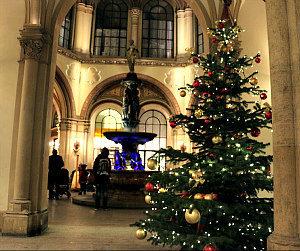 Christmas Dinner and Christmas Day in Vienna: Freyung passageway
