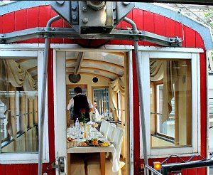 Dinner car at Giant Ferris Wheel