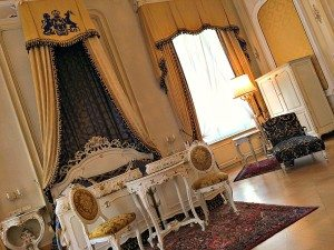 Bett in Imperial's Prince's Suite