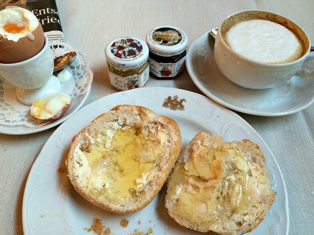 Hotel Imperial Vienna: Viennese breakfast