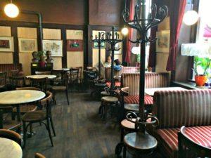 Old Vienna Walk: Cafe Hawelka