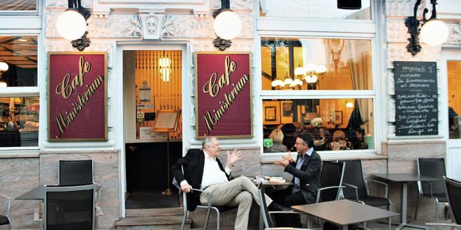 Things to do in Vienna September: Vienna Coffeehouse Conversation