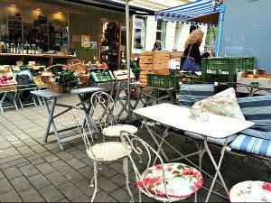 Vienna districts: Waehring's Kutschkermarkt