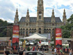 Vienna bike tour: Vienna City Hall