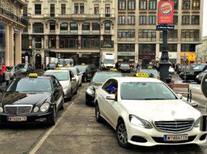 Vienna transport: taxi stand Neuer Markt