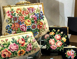 Vienna travel tips for ladies: Viennese point stitch bags