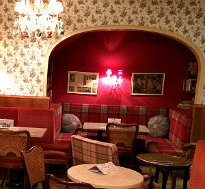 Vienna travel tips for ladies: Cafe Diglas Fleischmarkt