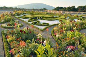 Baroque Gardens: Schloss Hof near Vienna Austria