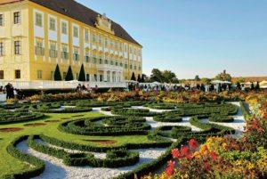 Baroque Gardens: Schloss Hof Palace near Vienna