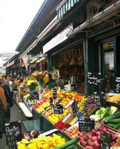 Naschmarkt in Vienna: fruit stall