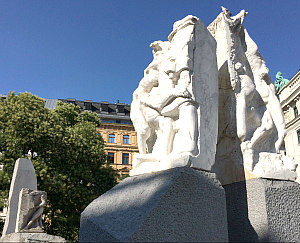 Vienna Jewish Tour: Memorial against War and Fascism