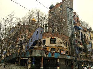 Vienna tours by bike: Hundertwasserhaus