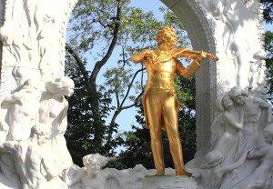 What is Vienna known for: Johann Strauss statue