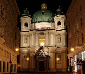 Vienna's Peterskirche at night