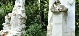 Johann Strauss' and Brahms' tombs