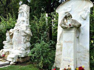 Johann Strauss' and Brahms' tombs