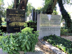 Central Cemetery Vienna: graves of Torberg and Schnitzler