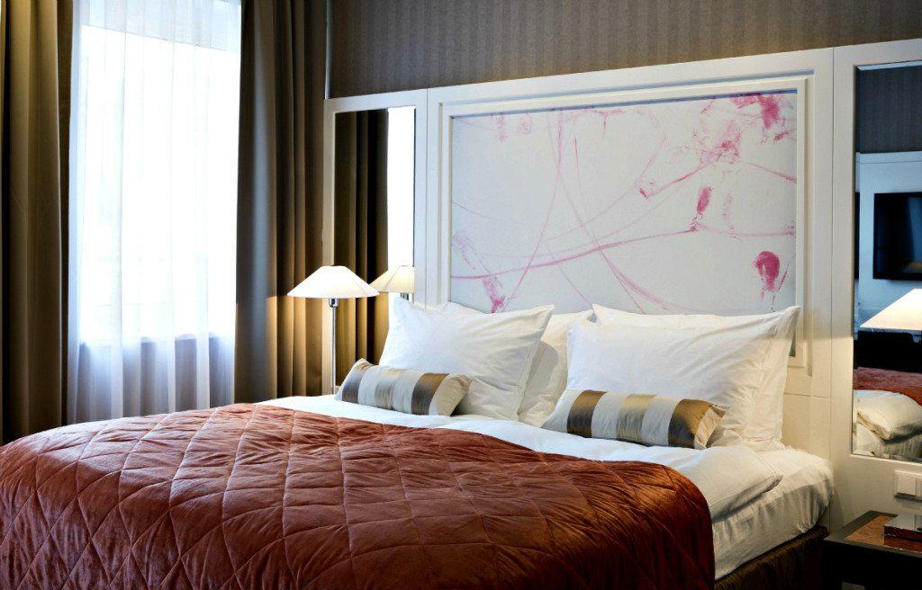 Vienna Hotel Harmonie: room
