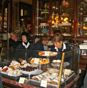 cake shops Vienna: Demel