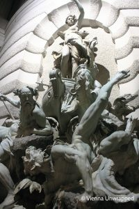 Vienna by night: Michaeler fountain