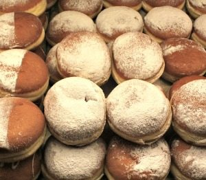 Things to do in Vienna February: Faschingskrapfen donuts
