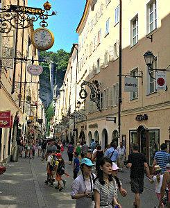 Vienna Tours To Salzburg: Getreidegasse