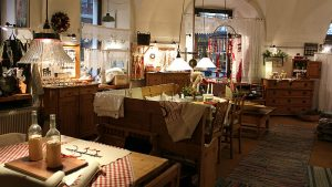 Vienna walking tours: vintage and luxury shopping tour
