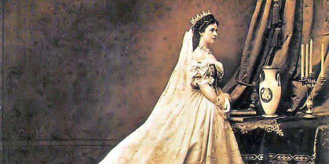 Kaiserin Sissi im ungarischen Krönungskleid