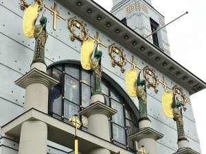Otto Wagner Church: angels at facade