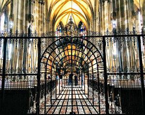 Stephansdom: interior with iron gate