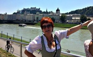 Vienna Salzburg Day Trip: Guide Martina