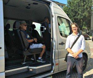 Vienna Salzburg Day Trip: luxury minivan