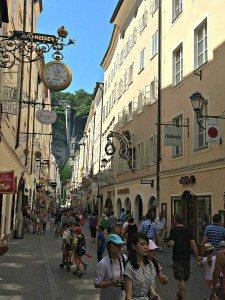 Vienna Salzburg Day Trip: Getreidegasse