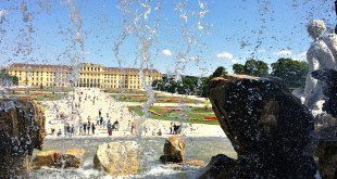 halal holiday Vienna: Schonbrunn Palace