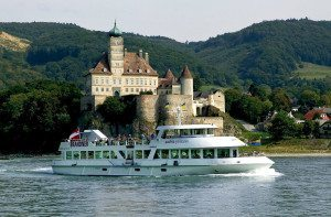 halal holiday Vienna: Wachau boat trip