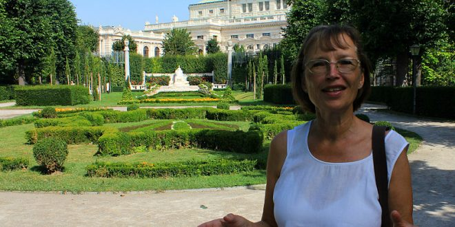 Vienna private tours: tour guide Gertrude