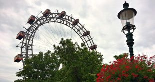 Vienna Attractions: Prater Amusement Park: Giant Ferris Wheel