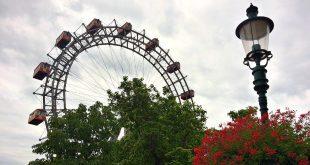Vienna Prater Amusement Park: Giant Ferris Wheel