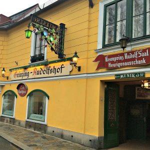 Vienna wineries: Heuriger in Grinzing