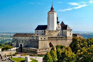 Burgenland Wine Esterhazy: Forchtenstein Castle