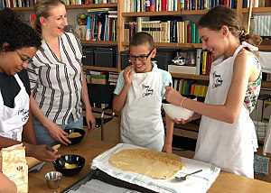 Vienna with kids: apple strudel cooking class