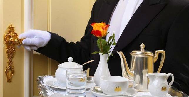 Honeymoon in Vienna: butler at Hotel Imperial