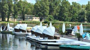 Vienna Danube: sofa boats